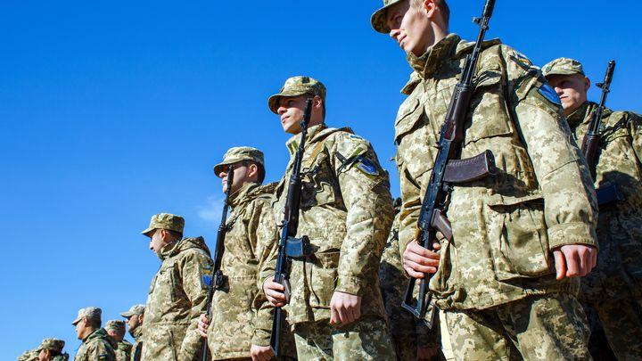 ВСУшники продали бойцам ДНР американский прибор ночного видения - видео