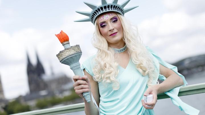 Мужчина, женщина и ...: В США покойникам разрешат быть неопределенного пола