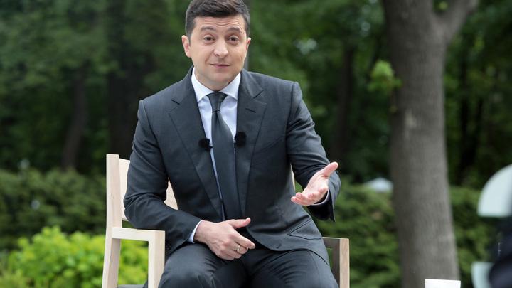 Украинцы взбунтовались против произвола властей. Зеленский в это время устраивает флешмобы