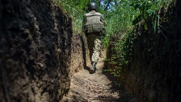Украинских военных собирались кормить гнилой тушенкой
