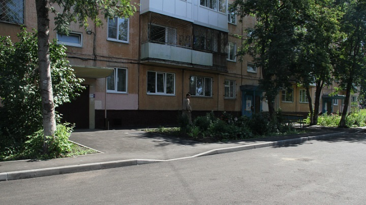 51 двор отремонтировали в Кемерове с начала сезона