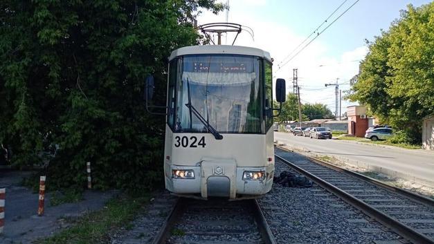 С машин перешёл на людей: Как новосибирский трамвай №13 стал «легендарным»