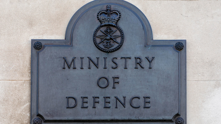 Теологов призвали на войну: В британской армии объявили научный призыв для манипулирования массами