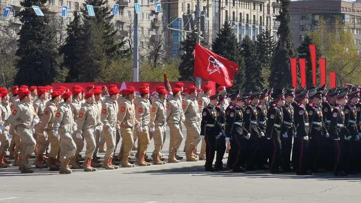 В Новосибирске прошёл военный Парад Победы: Рассказываем, как это было
