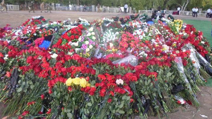 «Вечная память, братишка»: защищавшего до последнего  вздоха телохранителя Захарченко хоронят в Донецке