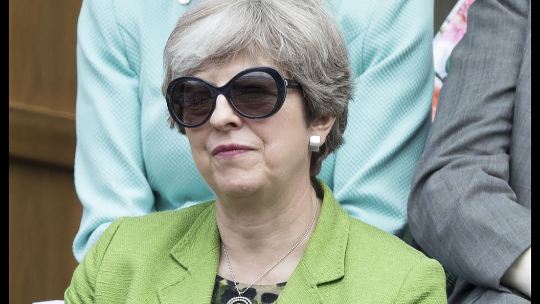 Половина британцев оценивают работу Терезы Мэй негативно