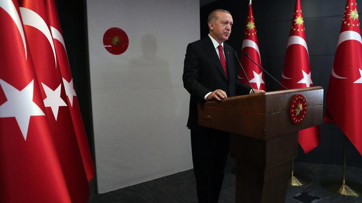 Туристов из России позвали, но комендантский час ввели: Туркам запретят выходить из дома