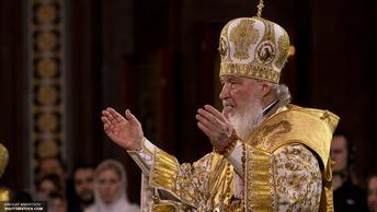 Патриарх Кирилл совершил богослужение у мощей Святителя Николая Чудотворца
