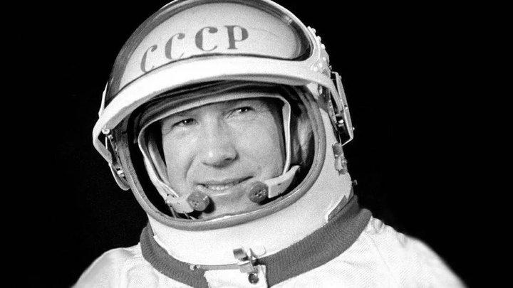 Что сказал человек, впервые вышедший в открытый космос: Опубликованы секретные фото- и аудиодокументы