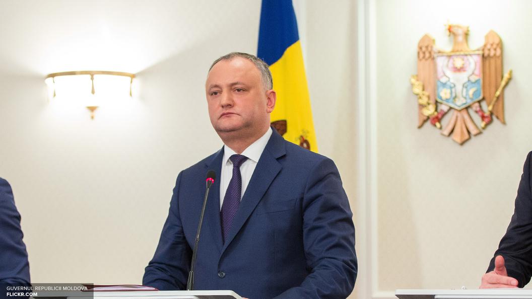 Додон заблокирует решение об объединении Дня Победы и Дня Европы в Молдавии