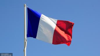 Марин Ле Пен и Франсуа Олланд поздравили Макрона с победой