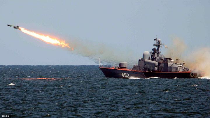 Корабли Черноморского флота РФ провели боевые учения в Средиземном море