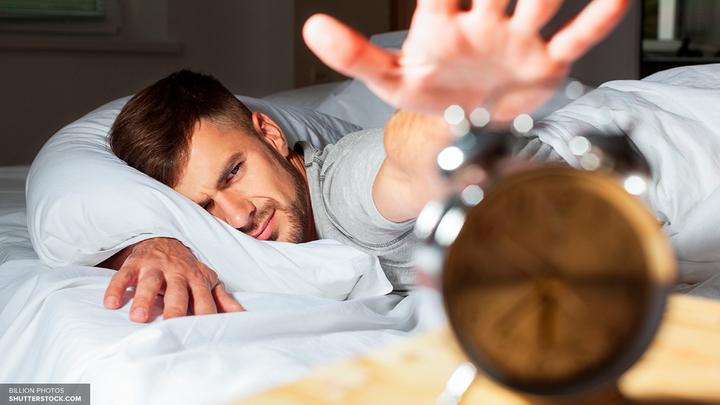 Ученые узнали о разрушении мозга при недосыпании