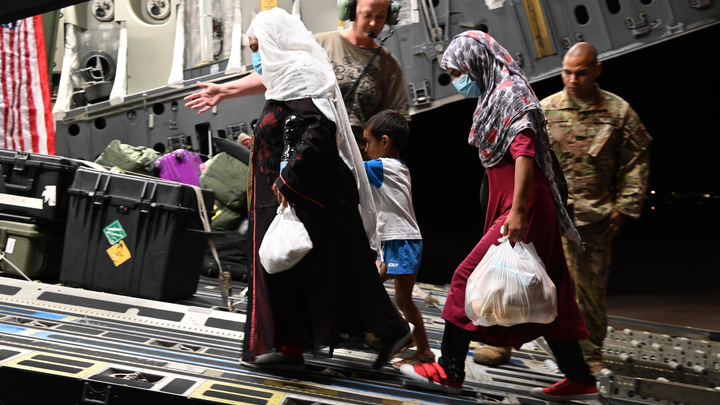 США отказались принимать новых афганских мигрантов из-за кори