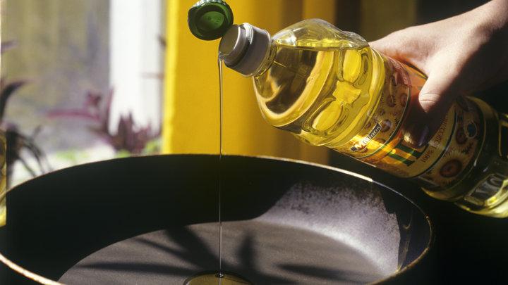 Ещё двое с кровотечением: В Ульяновске уже 11 отравившихся подсолнечным маслом. В том числе дети