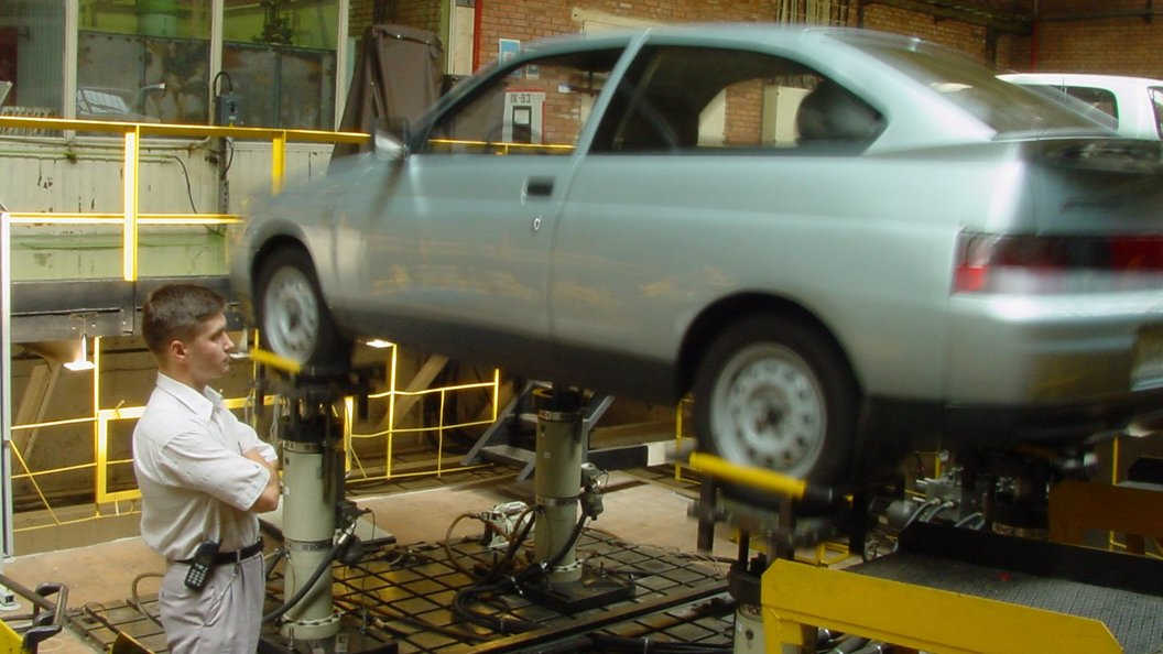 АвтоВАЗ назвал цены на  Lada Vesta Exclusive