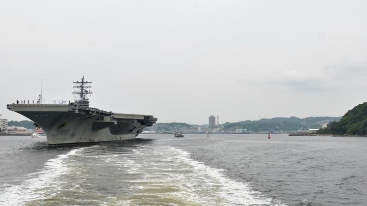 Военный корабль США обстрелял из орудий иранское судно