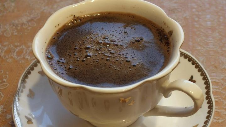 Чашка кофе от головной боли: Врач назвал лидера среди съедобных обезболивающих