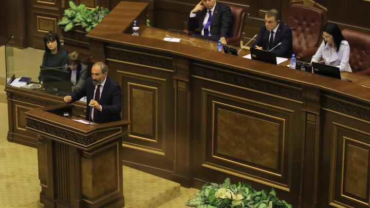 Пашинянпопросил поддержки у России, США и Евросоюза