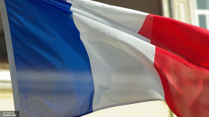 Момент взрыва на карнавале в пригороде Парижа попал на видео