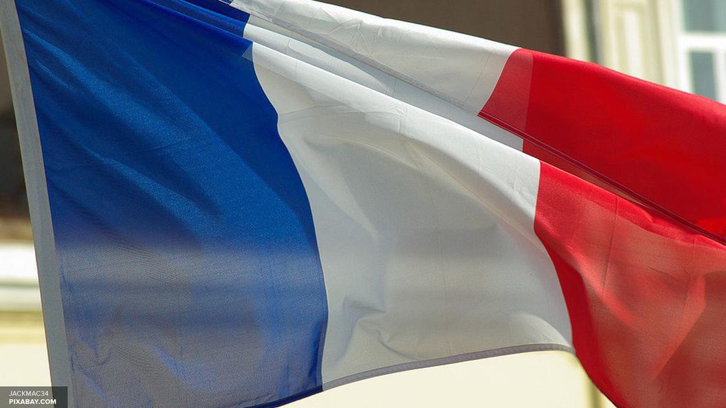 Основатель движения Вперед Макрон лидирует в первом туре президентских выборов во Франции