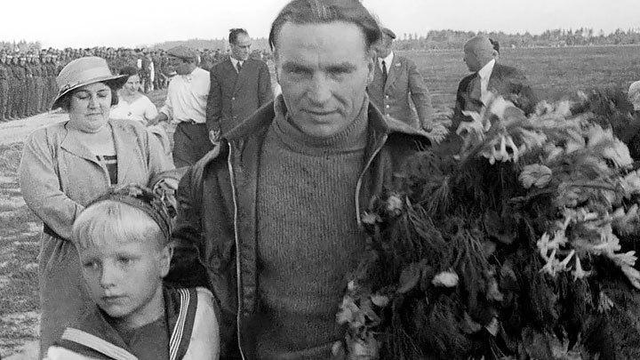 Забудьте про Героя, времена иные: Семью легендарного Чкалова лишают дачи, подаренной государством
