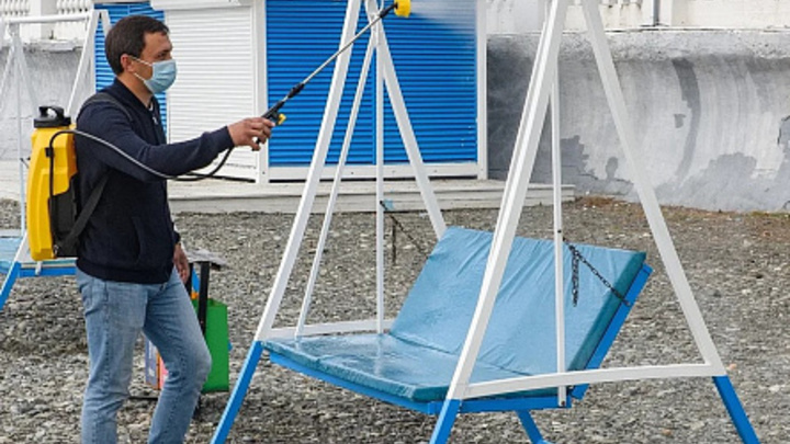 Коронавирус не пройдет: На «зимних» пляжах Сочи проводят ежедневную санобработку