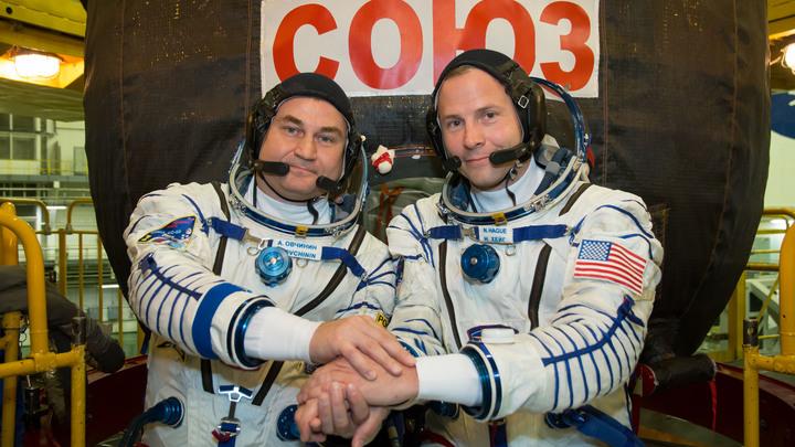 «Мне уже из ЦУП позвонили»: Жена космонавта Овчинина рассказала о состоянии здоровья мужа
