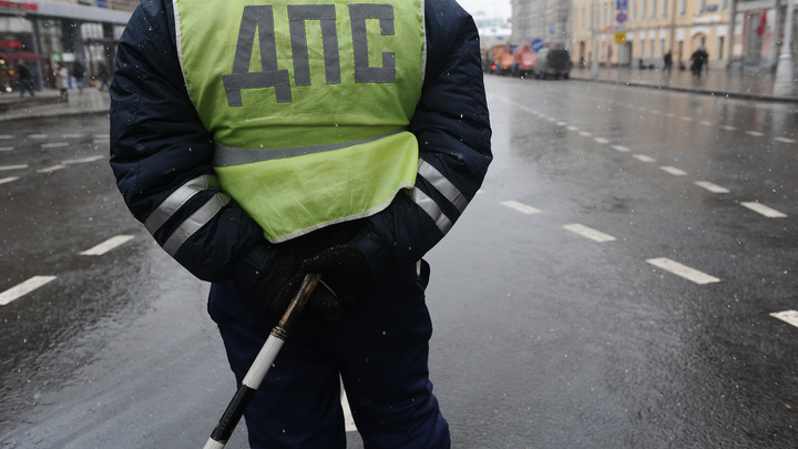 Фура под Воронежем загорелась после тарана 20 автомобилей