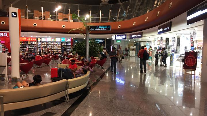 Авиакомпания «Победа» сконца октября сделает платной регистрацию в иностранных аэропортах