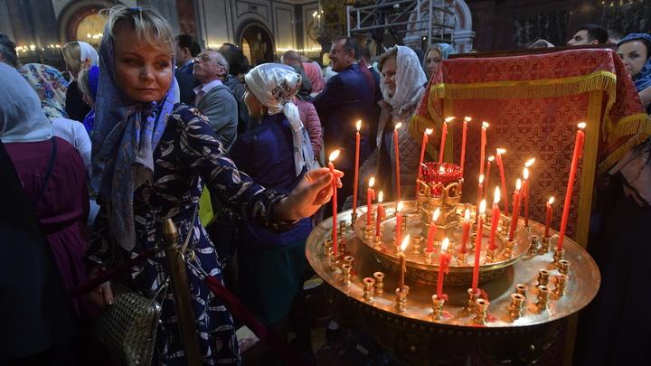 Откройте храмы! Тысячи православных призывают оставить Причастие на Пасху