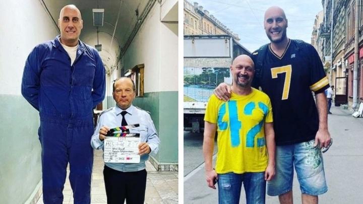 Самый высокий новосибирец снимается в сериале со звёздными актёрами