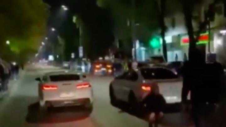 Полиция оштрафовала ночных гонщиков по Красной