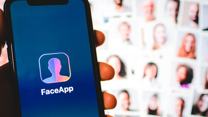 Почему США испугались российского приложения FaceApp?