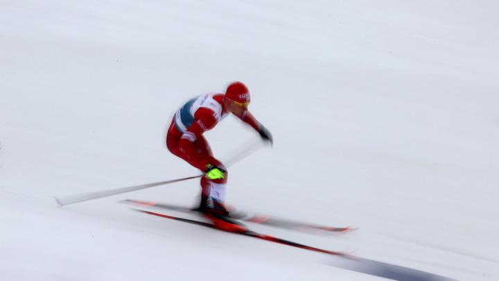 Роковой момент - и бронза: Большунов сломал палку за мгновения до финиша