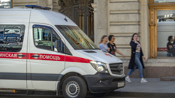 Многоэтажки памяти: подвиг российских врачей и волонтёров увековечили в гигантских граффити