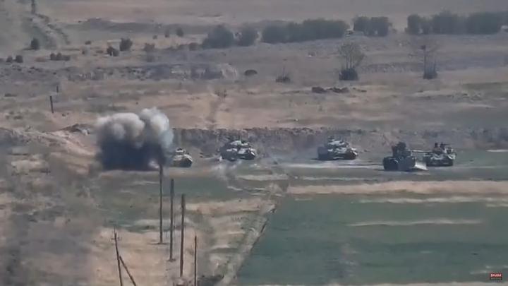 Три удара тяжёлыми ракетами по жилым домам. Азербайджан обстрелял столицу НКР