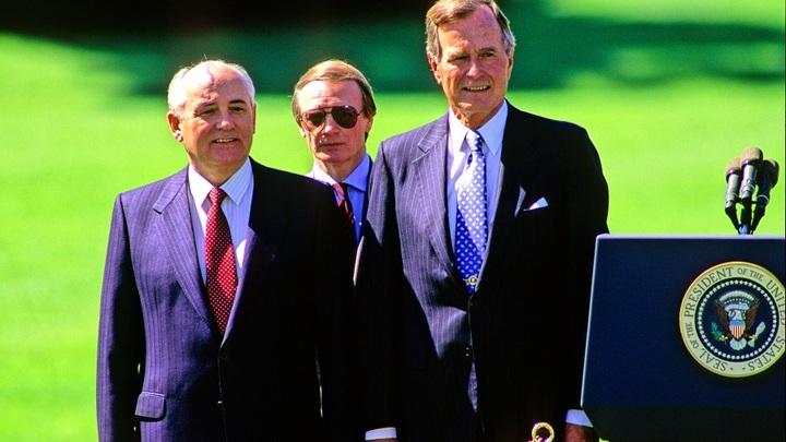Горбачев обвинил в развале СССР Политбюро ЦК КПСС, Кравчука и Ельцина