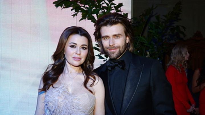 Фото Заворотнюк с мужем вызвало фурор среди фанатов актрисы