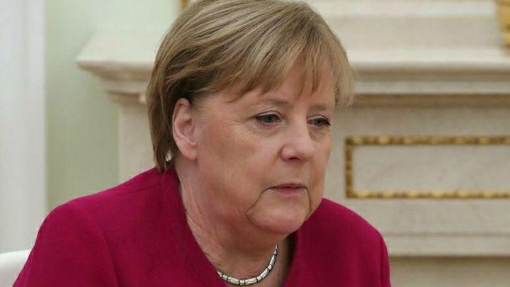 Немцы превратят Ангелу Меркель после отставки в плюшевую игрушку