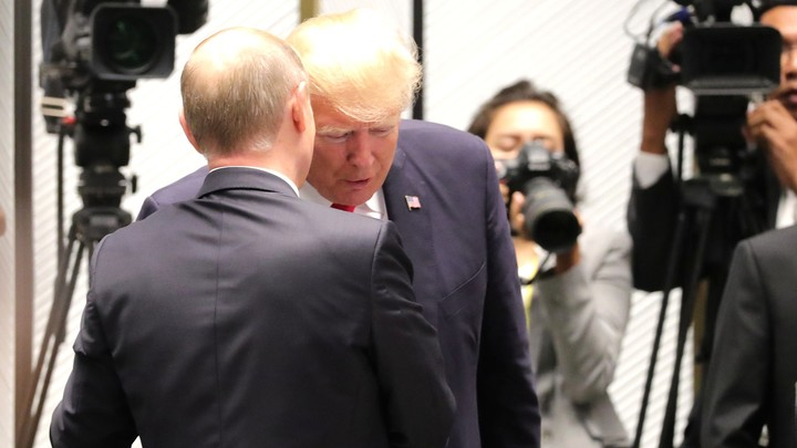 «Макрон сорвал саммит Путина и Трампа»: Делягино смене формата президентской встречи в Париже