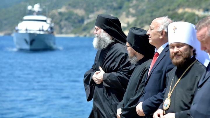 Митрополит Иларион призвал Папу Римского объединить усилия по восстановлению храмов на Ближнем Востоке