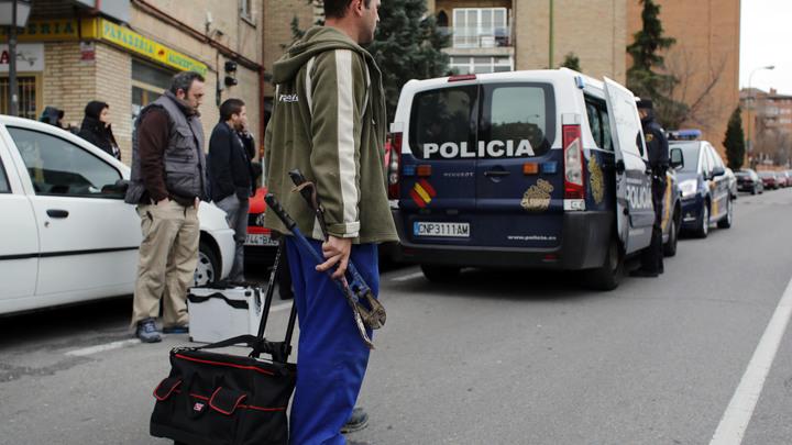 Приехавший в Лиссабон на Евровидение журналист получил удар ножом под носом у полиции