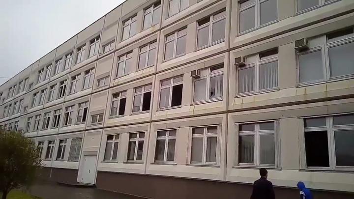 В Омске школьников оставили без домашних обедов