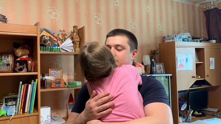 В Магнитогорске суд разлучает семилетнюю девочку с любимым братом