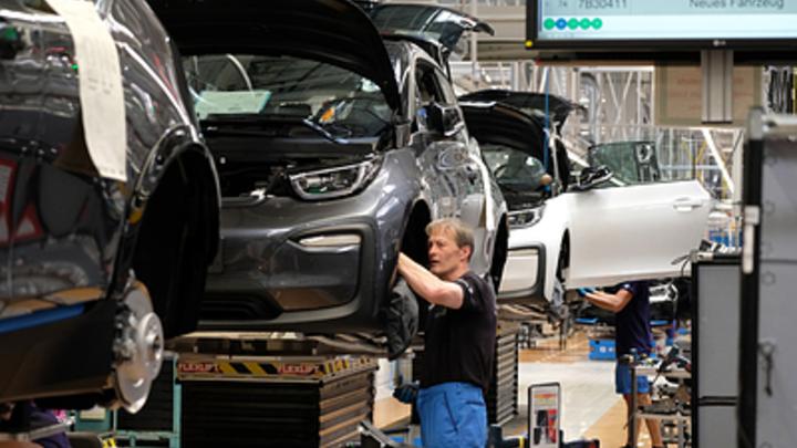 BMW взялся за разработку «живого» 3D-материала для машины будущего