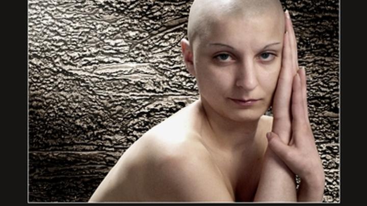 Специалист рассказала, как ростовчанкам избежать выпадения волос после перенесенного COVID-19