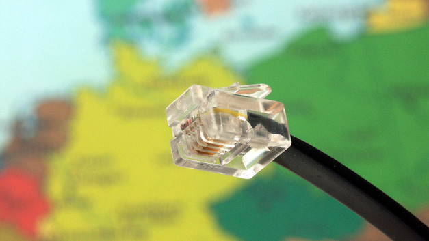 К 2024 году Минкомсвязи почти полностью русифицирует интернет - СМИ
