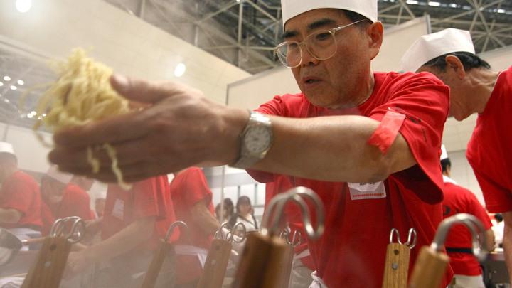 Лапша со вкусом чучхе: В президентской столовой Южной Кореи подают «высокую кухню» КНДР