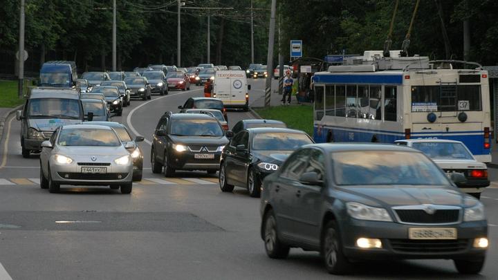 Мантуров предложил возмещать автокредиты иностранным покупателям